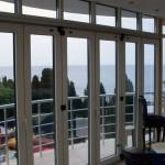 Алюминиевая дверь гармошка в Ялте
